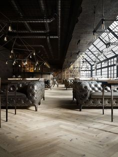 Selection of luxury bar designs to inspire you for your next interior design project ! Interior design trends to help to decor your bar! Industrial Bedroom, Industrial Interiors, Industrial Chic, Industrial Wallpaper, Industrial Closet, Industrial House, Industrial Furniture, Industrial Office, Industrial Lighting
