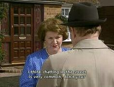 Keeping Up Appearances - chatting in the street British Tv Comedies, British Comedy, Appearance Quotes, Funny Sitcoms, English Comedy, Color Television, Keeping Up Appearances, British Humor, Bbc Tv