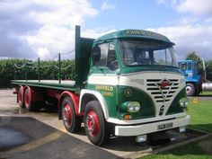 Foden Parts and Lorries For Sale Cool Trucks, Big Trucks, Classic Trucks, Classic Cars, Old Lorries, Old Commercials, Semi Trailer, Commercial Vehicle, Vintage Trucks
