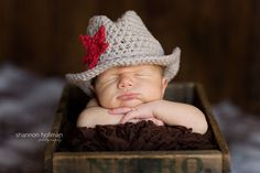 Crochet Cowboy Hat with Custom Detatchable Star  por beeziebee, $22.00