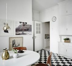 A Cozy and Spacious Apartment in Earthy Hues - Nordic Design Scandinavian Loft, Scandinavian Apartment, Bright Apartment, Gravity Home, Kitchen Stories, Interior Decorating, Interior Design, White Home Decor, White Houses