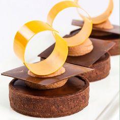 Valrhona chocolate tart for my class @sweetobsessionbkk Bangkok #bachour…