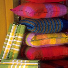 Barefootceylon.com .... a great store for fabric in Sri Lanka!