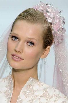 Wir verraten euch, wie ihr die schönsten Hochzeit Make-ups vom Runway nachschminkt