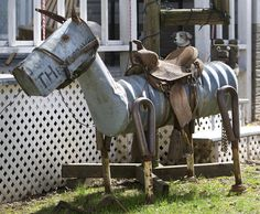 Horse lawn art made from old/ re-purposed scrap metal by collector (and artist) John Jevne, of Hesper, Iowa.