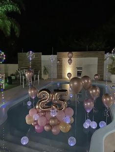 Birthday Goals, 18th Birthday Party, Birthday Party Themes, 25th Birthday Ideas For Her, Birthday Balloon Decorations, Birthday Balloons, Table Decorations, Festa Party, Party Ideas