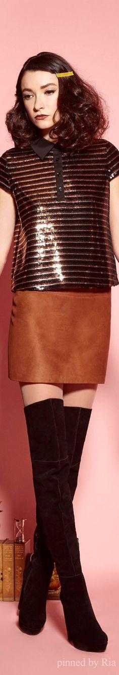 Alice + Olivia Pre-Fall 2016 Fashion Show Fashion Walk, Skirt Fashion, Runway Fashion, Fashion Show, Fashion Design, Fashion Trends, Outfits Mujer, Beige, Fashion Seasons