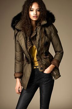 Burberry - Brit Womenswear - 2012 Fall-Winter