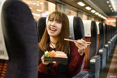 ✱Heading for Enoshima! ➔Let's get a lunchbox at the food floor of Odakyu Department 「小田急百貨店(JP.)http://www.odakyu-dept.co.jp」 #japankuru #japan #shinjuku #odakyu #shopping #enoshima #romancecar