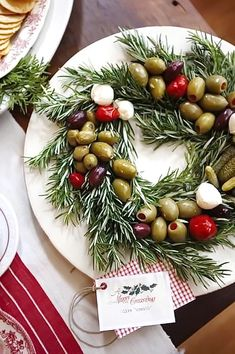 YOU THINKING CHRISTMAS. ALREADY Great idea for a holiday cocktail party: serve olives on rosemary wreath.Great idea for a holiday cocktail party: serve olives on rosemary wreath. Noel Christmas, Green Christmas, Christmas Goodies, Christmas Treats, Holiday Treats, Winter Christmas, Holiday Parties, Holiday Recipes, Beach Christmas