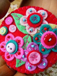 FB037 Japanese Art Inspired Handmade Felt por designedbybettyshek