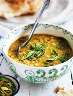 Rote-Linsen-Suppe mit Hack und Spinat