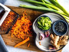 Easy Homemade Ramen Bowls #Ramen #soup #Asian #Japanesefood #homemade #easyrecipes #noodles #ramenbowl #comfortfood Best Ramen Recipe, Vegetarian Ramen Recipe, Ramen Recipes, Healthy Recipes, Healthy Food, Ramen Broth, Ramen Soup, Homemade Ramen, Spinach Soup