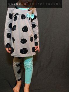 Big Dots Dress and leggings by Unikuun terapiahuone