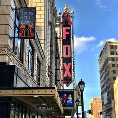 Yesterday was what it's all about - gorgeous day to be outside soak up the sun breathe the fresh air... Grand Avenue was looking pretty grand with all that blue sky and sunshine! @foxtheatrestl @curtaincallstl . . #grand #grandavenue #grandave #grandcenter #grandcenterstl #75andsunny #sunshine #city #cityscape #walk #walkit #walkaround #discover #stl #stlouis #urban #theater #history #historical #thefabulousfox #thefabulousfoxtheatre
