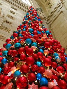 Stazione Centrale - Milano Ornament Wreath, Ornaments, Milano, Christmas Tree, Wreaths, My Love, Holiday Decor, Bella, Travelling