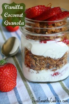 Easy and delicious campingl breakfast - Vanilla Coconut Granola Parfait from Jen's Favorite Cookies