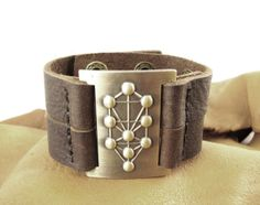 10 spheres, Tree of life leather bracelet, adjustable A cool bracelet with a Jewish Kabbalah tree of life.  The spheres represent 10 spiritual principals