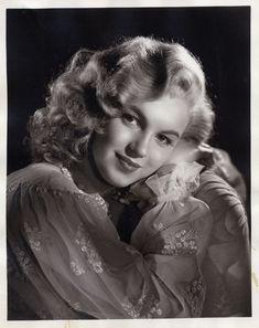 Early Marilyn Monroe portrait by Laszlo Willinger