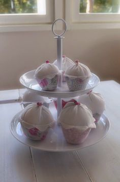 Tilda cupcakes from Tildas julehus Muffins, Cupcakes, Sewing, Desserts, Food, Tailgate Desserts, Muffin, Dressmaking, Cup Cakes