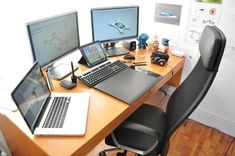 Top 10 Office Decluttering - concepts work for any area Office Setup, Desk Setup, Office Organization, Office Ideas, Pc Setup, Office Style, Dream Home Gym, Clean Desk, Office Home