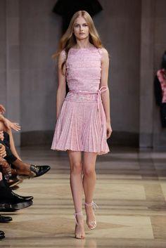 Carolina Herrera Spring Summer 2016 - Preorder now on Moda Operandi