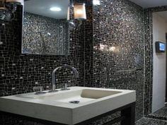 30 nice pictures and ideas of modern bathroom wall tile design pictures Cheap Bathroom Tiles, Glass Tile Bathroom, Modern Bathroom Tile, Bathroom Tile Designs, Bathroom Ideas, Shower Tiles, Glass Tiles, White Bathroom, Minimalist Bathroom