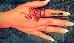 Looking for the simple henna designs, check the following designs know as finger henna designs. In following designs starts from finger root with lines proceed downward with little circle and flowers ended with leave and mini circle.  http://www.latesthennadesigns.com/2017/07/20-best-backhand-mehndi-designs.html  #henna #hennaart #hennaforlove  #mehndi  #mehndidesigns  #mehndiart