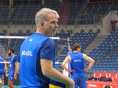 Bernardinho: sem mágoa da Polônia e de olho vivo para fechar time olímpico #globoesporte