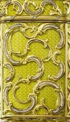 Russian Works of Art & Fabergé - Page 4 - Eloge de l'Art par Alain Truong Color Shades, Shades Of Green, Couleur Chartreuse, Pantone 2020, Mean Green, Colour Board, Shabby Chic Style, Pantone Color, My Favorite Color