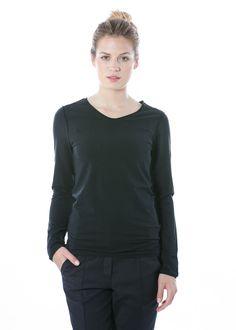 Oberteil Jina von annette görtz bei nobananas mode #nobananas #annettegoertz #jersey #top #cotton #fashion #woman #long #fit #follow nobananas.de/shop