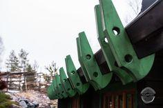 The traditional dark brown log the green details. Finnish Sauna, Online Calendar, Google Calendar, Dark Brown, Traditional, Bathroom, Places, Green, Projects