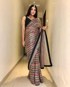 Party Wear Indian Dresses, Dress Indian Style, Indian Fashion Dresses, Indian Designer Outfits, Indian Wear, Trendy Sarees, Stylish Sarees, Set Saree, Saree Sale