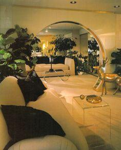 Retro Home Decor eye catching, easy note 9718234326 - Utterly stunning retro decor steps. 80s Interior Design, Interior Exterior, Interior Architecture, 1980s Interior, Style At Home, Zeitgenössisches Apartment, Art Deco Home, Contemporary Apartment, Vintage Interiors