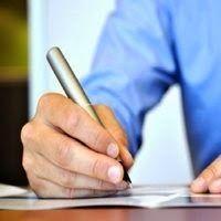 O primeiro passo para quem vai procurar um emprego é ter um currículo bem feito e adequado à posição que o candidato deseja alcançar. Para te ajudar nessa tarefa veja algumas dicas para montar o Curriculum Vitae impecável.  Leia Mais - http://www.oblogdoseupc.com.br/2014/06/7-dicas-para-fazer-um-curriculo-impecavel.html