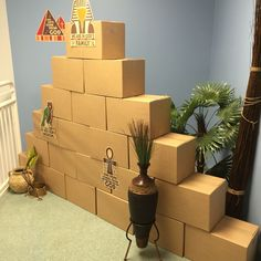 Group Egypt VBS easy pyramid *Might be good to block off large areas Egyptian Crafts, Egyptian Home Decor, Egypt Decorations, Egyptian Themed Party, Vbs Themes, Holiday Club, World Thinking Day, Vacation Bible School, Ancient Egypt