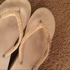 Items similar to Pearl Bridal Flip Flops.Gem Shoes for Bride to Be Destination Beach Wedding. Ivory Wedding Flip Flops on Etsy Bling Wedding Shoes, Beach Wedding Sandals, Beach Wedding Attire, Bridal Sandals, Bride Shoes, Bridesmaid Flip Flops, Wedding Flip Flops, Bridesmaid Shoes, Bridesmaids