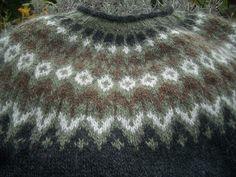 Hand Knitted Sweaters, Wool Sweaters, Hand Knitting, Knitting Patterns, Icelandic Sweaters, Crochet Wool, Sweater Design, Knitwear, Sewing