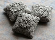 pin cushions, check out this etsy shop for so many more gorgeous crochet and linen items