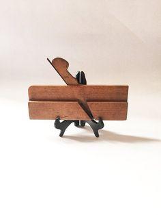 Wood moulding plane dating