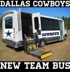 Cowgirls new team bus😄🏈 Nfl Jokes, Funny Football Memes, Sports Memes, Funny Sports, Dallas Cowboys Jokes, Cowboys Memes, Funny Hood Memes, Redskins Football, Raiders Football