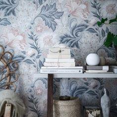 Ava by Sandberg - Grey - Wallpaper : Wallpaper Direct Interior Wallpaper, Luxury Wallpaper, Grey Wallpaper, Home Wallpaper, Designer Wallpaper, Wallpaper Ideas, Beautiful Wallpaper, Inspiration Wand, Deco Design