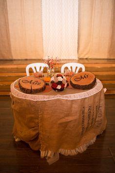 Gorgeous November fall autumn barn wedding close to Salem Oregon. Rustic sweetheart table