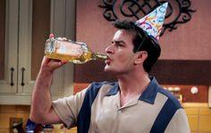 Alles Gute zum Geburtstag, Charlie Sheen, auf hoffentlich noch viele schöne Skandale!