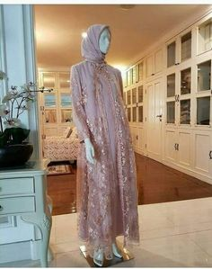 Dress brokat muslimah hijab fashion ideas for 2019 Source by fariazak dress hijab Hijab Gown, Kebaya Hijab, Hijab Dress Party, Hijab Style Dress, Kebaya Dress, Dress Pesta, Kebaya Muslim, Muslim Dress, Dress Brokat Muslim
