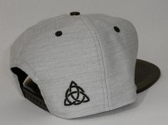 Boné Snapback Renegade Cinza Couro - Renegade Supply Co. f1fdc33328c