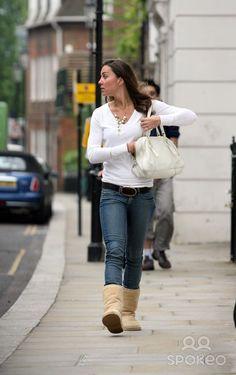Kate Middleton leaving her house 5/15/2007