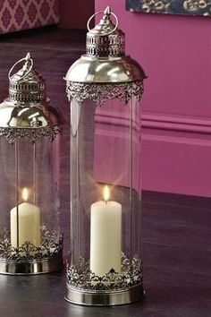 The level of elegance of your candles and candlesticks and lanterns Lantern Candle Holders, Candle Lanterns, Glass Candle, Silver Lanterns, Chandelier Bougie, Candle In The Wind, Moroccan Decor, Moroccan Style, Candlesticks