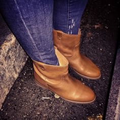 Madewell for J Crew The Otis Boot -Soft Mahagony Madewell for J CREW PRICE IS FIRM  The Otis Boot  Chunky Stacked Heel  Leather Upper  Color: Soft Mahogany  Perfectly Worn in Leather  Man Made Sole  Leather Lining Madewell Shoes Ankle Boots & Booties