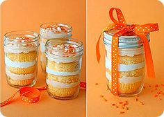 Orange Dreamsicle cupcakes in a jar! Great summertime treat: vanilla orange cupcakes layered with orange cream cheese frosting. Mason Jar Desserts, Mason Jar Meals, Meals In A Jar, Mason Jars, Cake In A Jar, Dessert In A Jar, Cupcake Recipes, Cupcake Cakes, Dessert Recipes